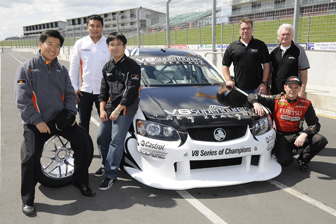 Hankook carried out extensive testing with V8SuperTourers before signing a three-year tyre supply agreement. Pictured L to R; Hankook's Eric Kang, Jose Angeles and Roy Cha and V8SuperTourers' Paul Ceprnich, Mark Petch and driver Kayne Scott