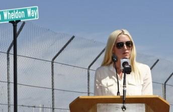 Susie Wheldon unveiling Dan Wheldon Way in St. Petersburg