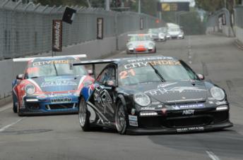 The Team Kiwi Racing Porsche of Andre Heimgartner leads Shae Davies in Sydney last year