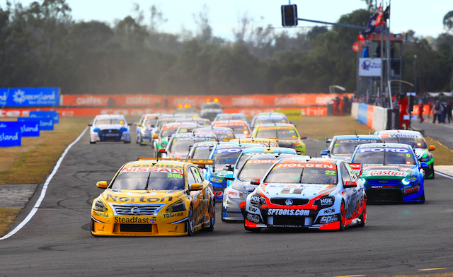 James Moffat leads into Turn 1 at the start of Race 25