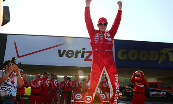 Scott Dixon defies the odds to win at Mid-Ohio after qualifying last