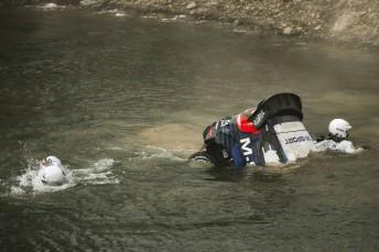 Tanak and Molder escape their sinking car[
