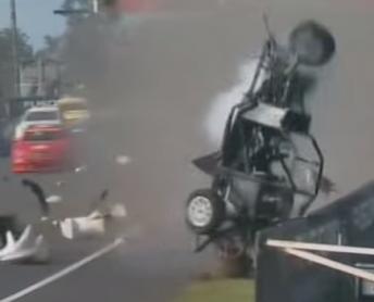 Aussie Race Cars Crash Bathurst