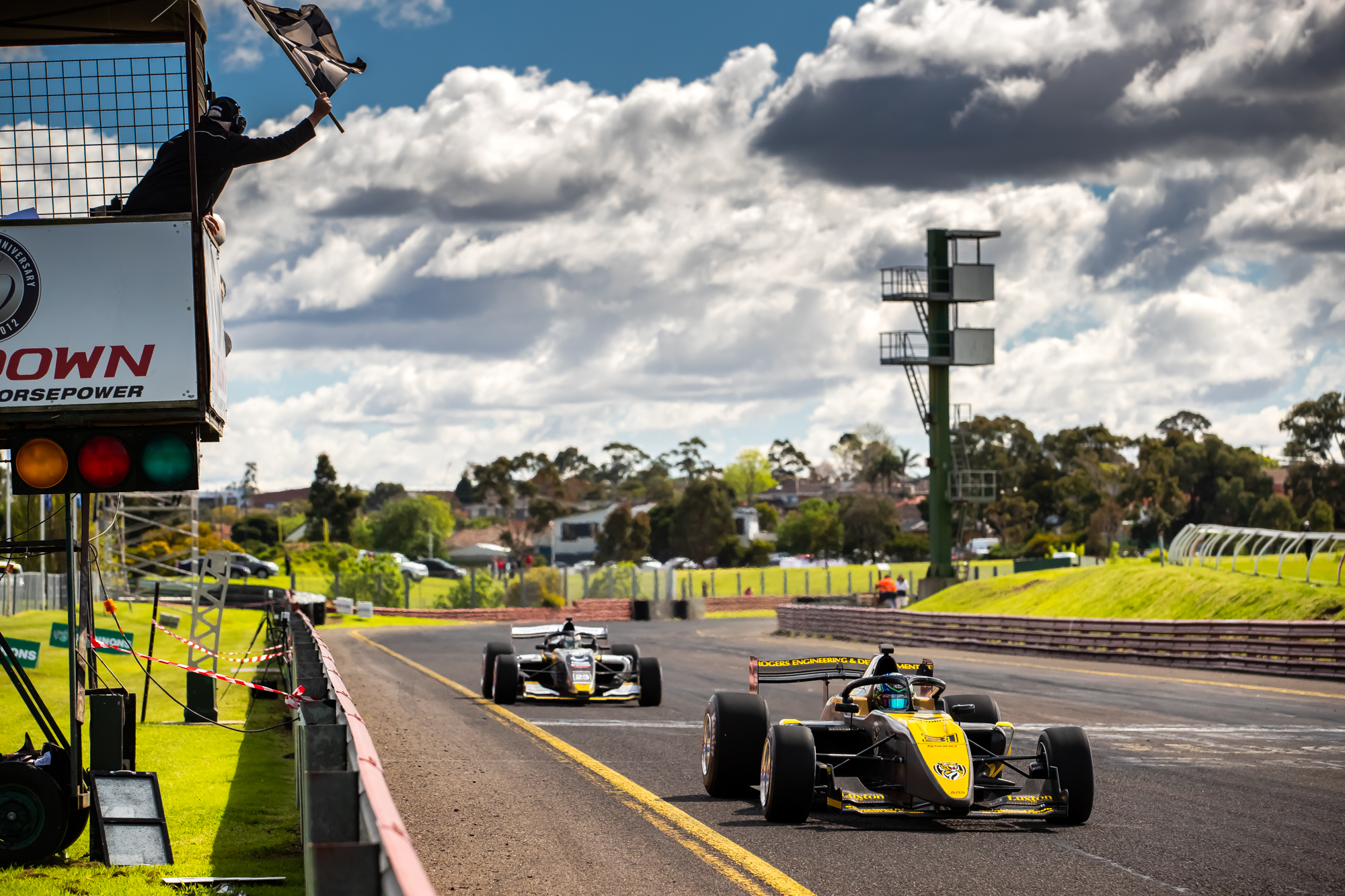 Golding fends off Macrow to win S5000 Race 2
